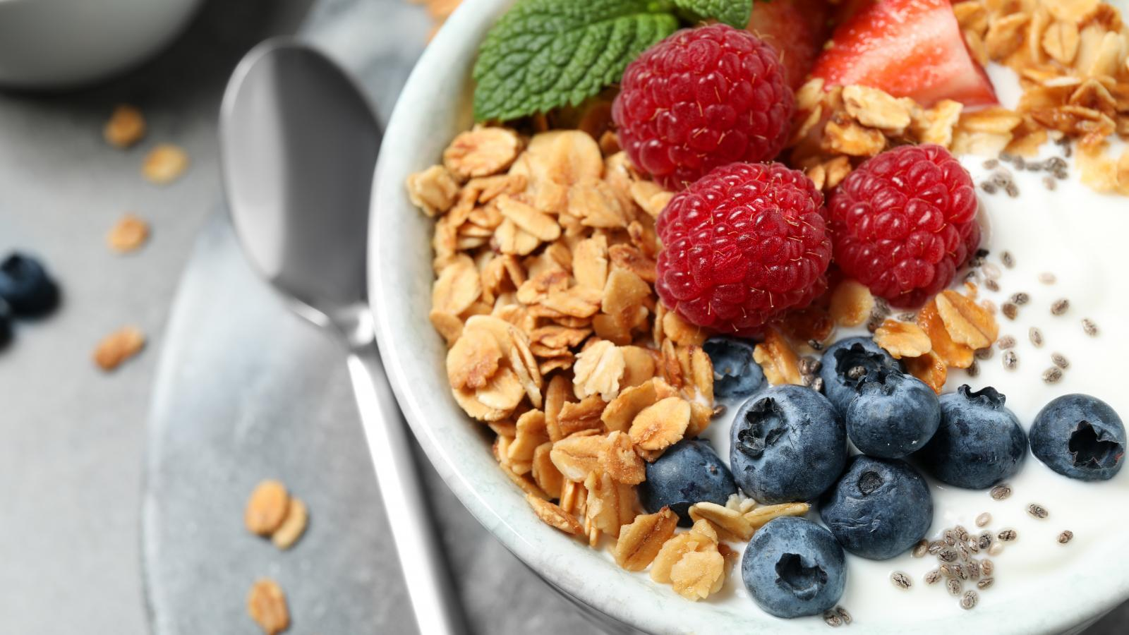 banner of Put Down the Junk and Choose a Healthy Snack Instead